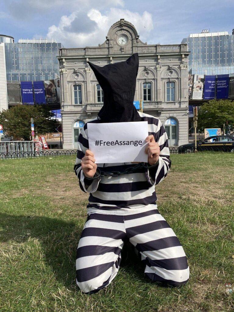 #FreeAssange in Brussels